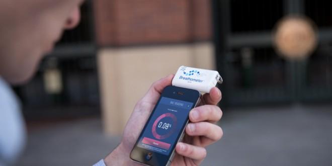Breathometer, un gadget qui vous aide à savoir si vous êtes saoule